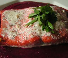 Horseradish salmon with a roasted beetroot sauce