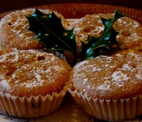Little mince pie cakes