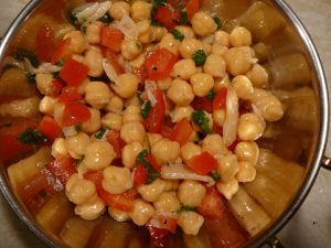 Chickpea and roasted garlic salad