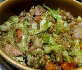 Pork with cabbage and lentils